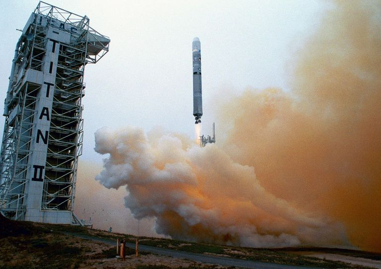 Titan_23G_rocket_hurtles_above_the_launch_tower